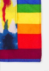 Pier One - PRIDE BANDANAS UNISEX 2 PACK - Foulard - multi-coloured - 2