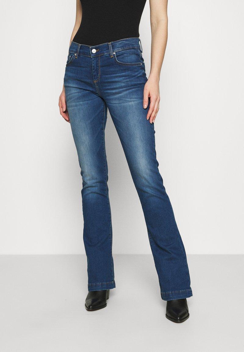 LTB - FALLON - Flared Jeans - talia wash