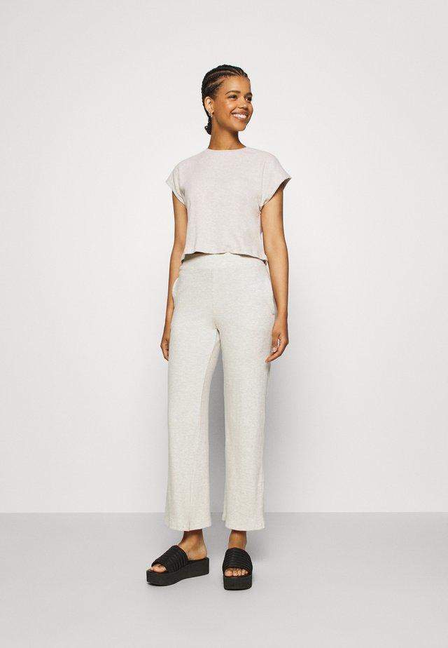 COZY TEE - Trousers - beige mélange