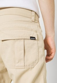 Kickers Classics - PANNEL & POCKET TROUSERS - Cargo trousers - beige - 4