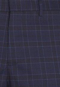 Selected Homme - SLHSLIM KYLELOGAN  - Trousers - navy blue/light blue - 5