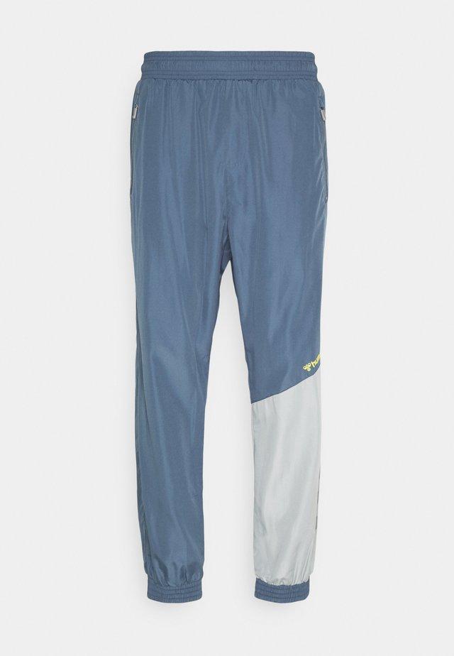 HMLSULLIVAN PANTS - Tracksuit bottoms - china blue
