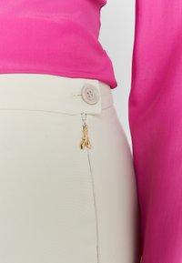 Patrizia Pepe - HIGH WAIST PANT - Kalhoty - antica beige - 4
