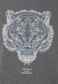 CLOSURE London - RIVAL TEE - T-shirt imprimé - anthrazit - 6