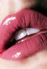 LH cosmetics - LATEX FEVER - HIGH SHINE MULTI-USE LIQUID LIPSTICK - Vloeibare lippenstift - - - 1