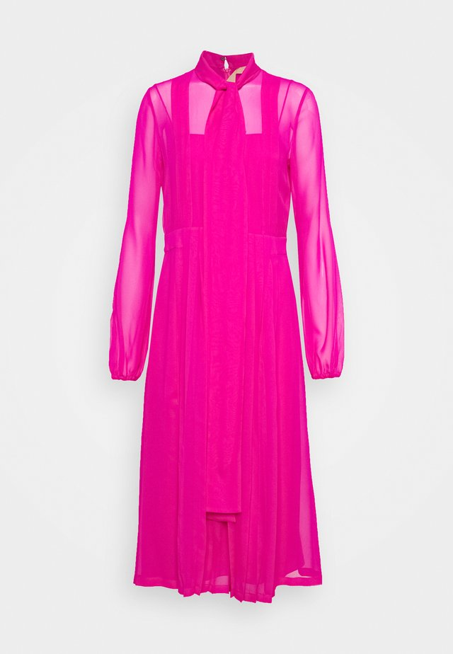 Cocktail dress / Party dress - fuxia