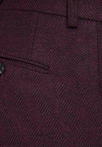 Jack & Jones PREMIUM - Suit trousers - vineyard wine - 6