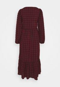 New Look Tall - CHECK SEERSUCKER SMOCK MIDI - Day dress - red pattern - 6