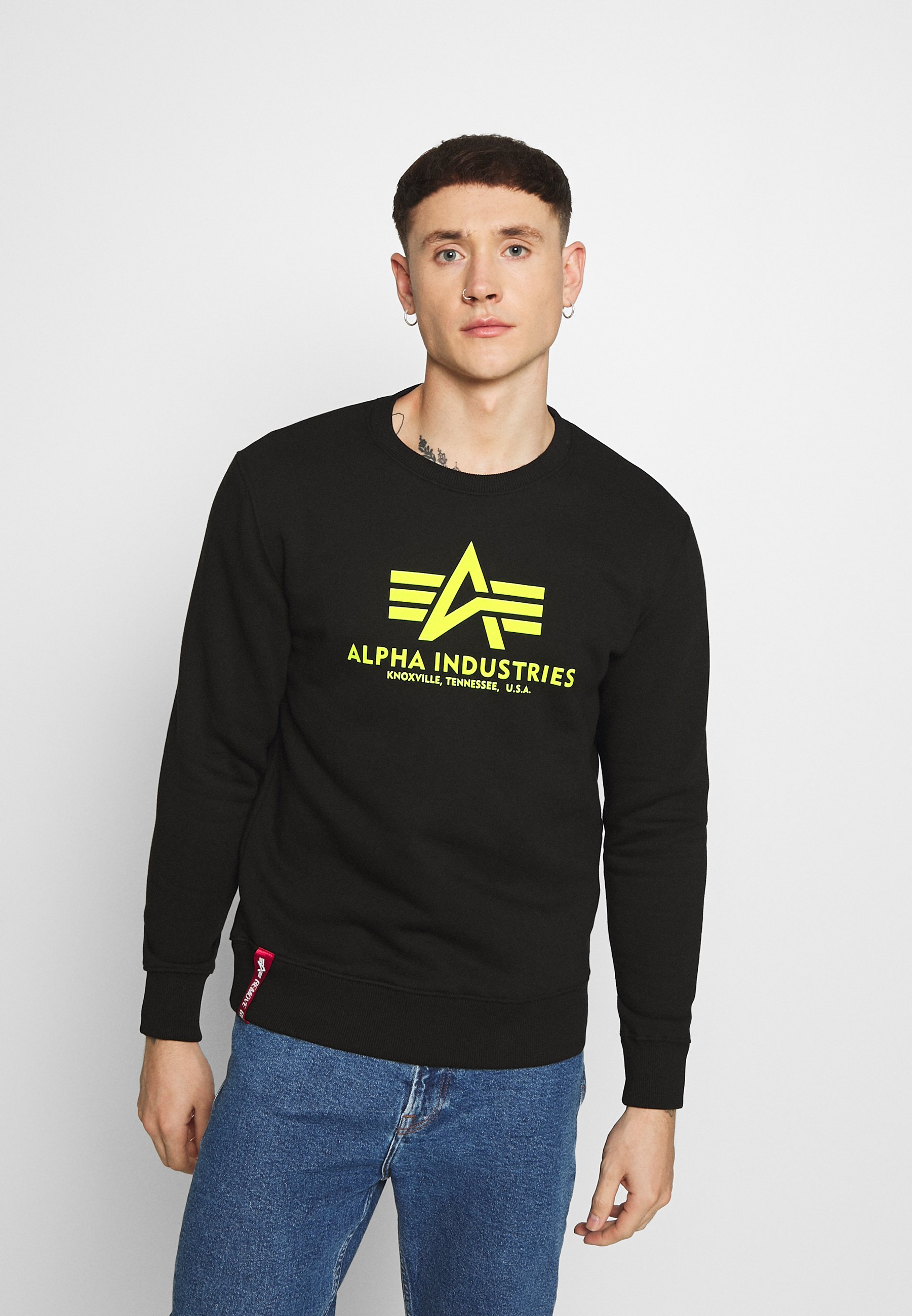 Popular y barato Alpha Industries BASIC PRINT  Sudadera  black/neon yellow Q1rap