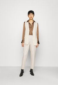 Another-Label - GALANE MELEE PANTS - Trousers - beige melee - 1
