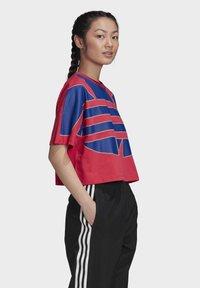 adidas Originals - ADICOLOR LARGE LOGO T-SHIRT - T-shirts print - pink - 3
