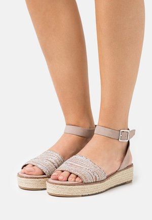 Sandalen met plateauzool - old rose