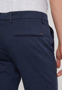 BOSS - LIEM - Shorts - navy - 5
