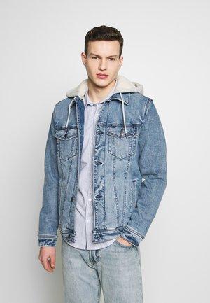 SHERPA - Denim jacket - med wash indigo