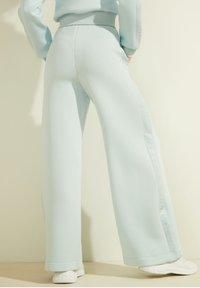 Guess - Trousers - himmelblau - 2