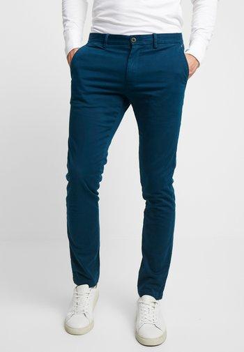 BLEECKER - Chinot - blue