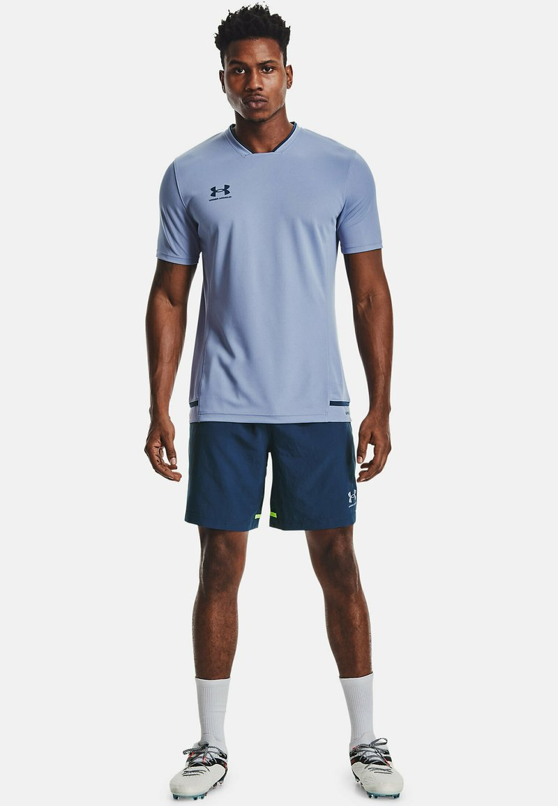 Under Armour - ACCELERATE PREMIER TEE - Print T-shirt - washed blue
