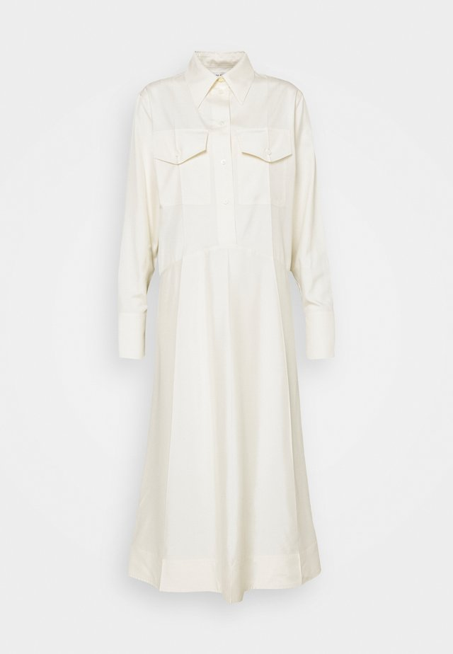 PATCH POCKET SHIRT DRESS - Robe longue - off white