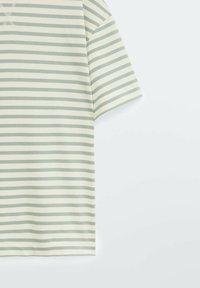 Massimo Dutti - Print T-shirt - green - 3