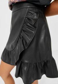 Stradivarius - Mini skirt - black - 3