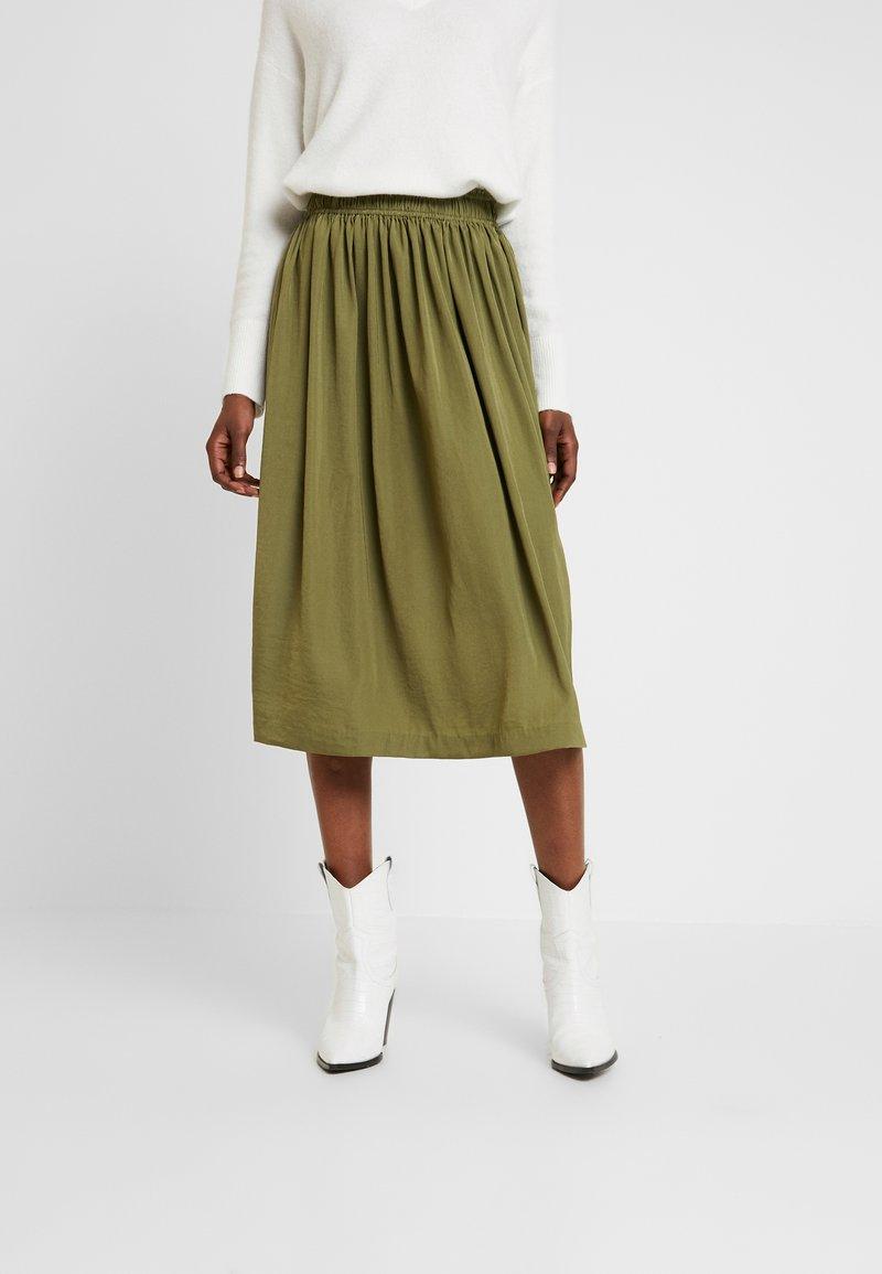 Rosemunde - Áčková sukně - martini olive