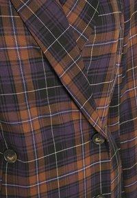 Closet - DOUBLE BREASTED BLAZOR DRESS - Sukienka koszulowa - brown - 2
