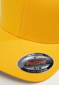 Flexfit - COMBED - Caps - gold - 4