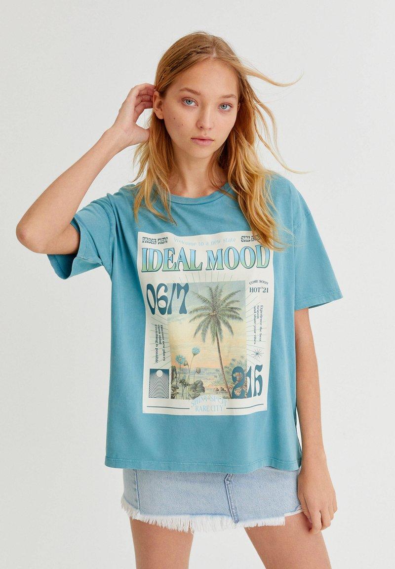 PULL&BEAR - Print T-shirt - stone blue denim