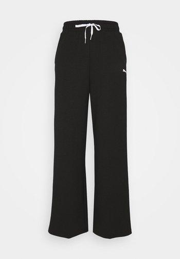 MODERN SPORTS WIDE PANTS - Teplákové kalhoty - black