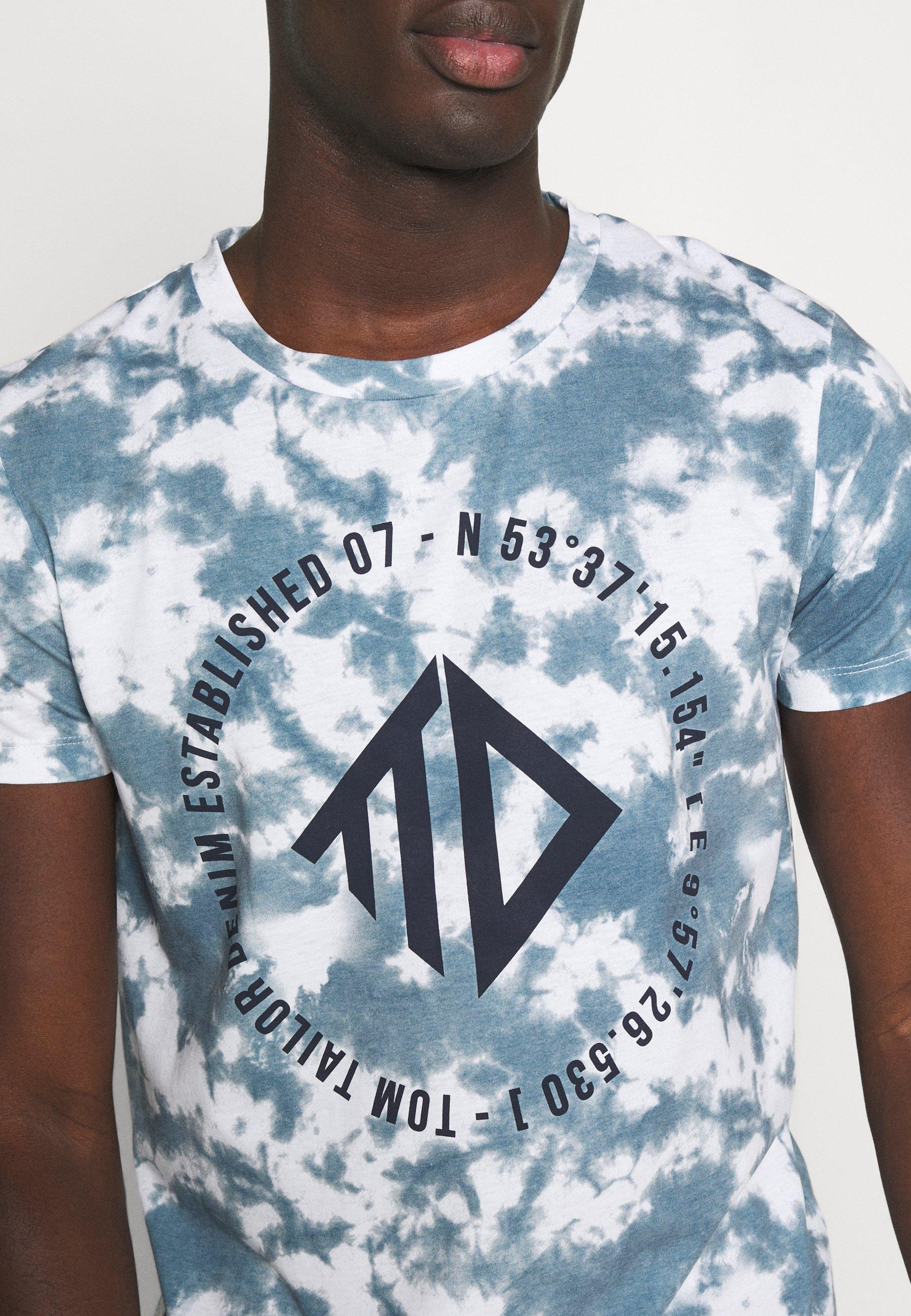 TOM TAILOR DENIM BATIK ALLOVERPRINT - Print T-shirt - blue/white JvMEX