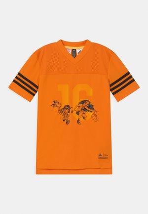 DISNEY COMFY PRINCESSES DRESS - Sportovní šaty - bright orange/black/bold gold