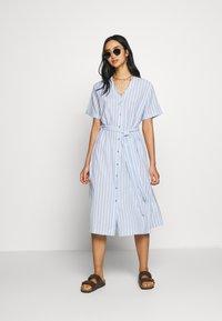 Leon & Harper - ROBUSTA STRIPES - Shirt dress - sky - 1