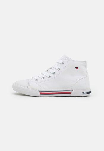 UNISEX - Sneakers alte - white