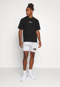Topman - UNISEX PLANET TEE - Print T-shirt - black - 1