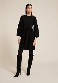 Luisa Spagnoli - MEMORY - Jumper dress - nero - 1