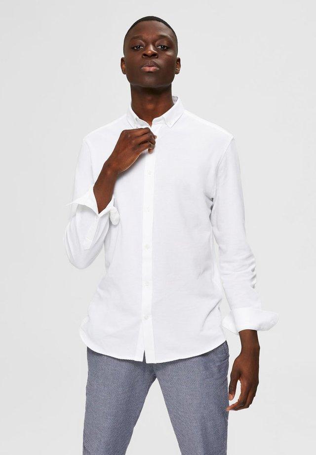 HEMD SLIM FIT - Camisa - white