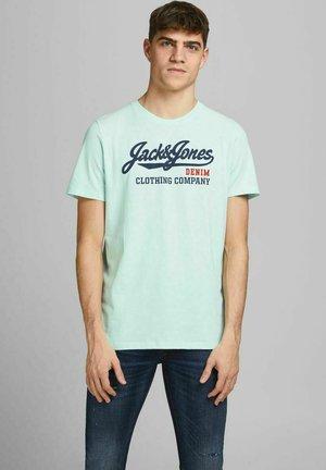 JJELOGO TEE O NECK - Print T-shirt - bleached aqua