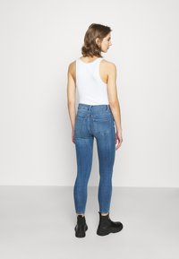 New Look - MIDRISE SUPERSOFT  - Jeans Skinny Fit - mid blue - 2