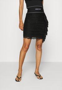 Guess - REGINA SKIRT - Pencil skirt - jet black - 0