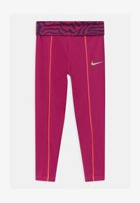 Nike Sportswear - PRINTED - Legginsy - fireberry - 0