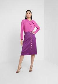 Escada - REAA - Áčková sukně - violetta - 1