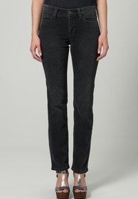 MAC Jeans - DREAM - Straight leg jeans - grau - 2