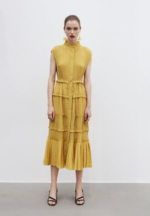 PLEATED - Shirt dress - yellow