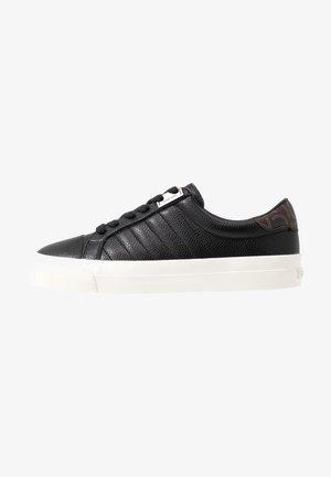 VANCE - Sneakersy niskie - black/brown