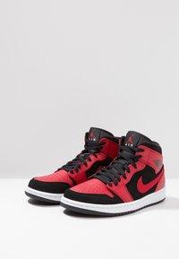 Jordan - AIR 1 MID - High-top trainers - black/white/gym red - 2