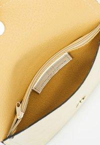 RISA - Bum bag - gold - 4