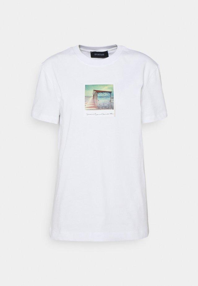 BULL - Camiseta estampada - weiss