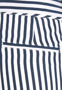 Betty & Co - Shorts - white/blue - 2