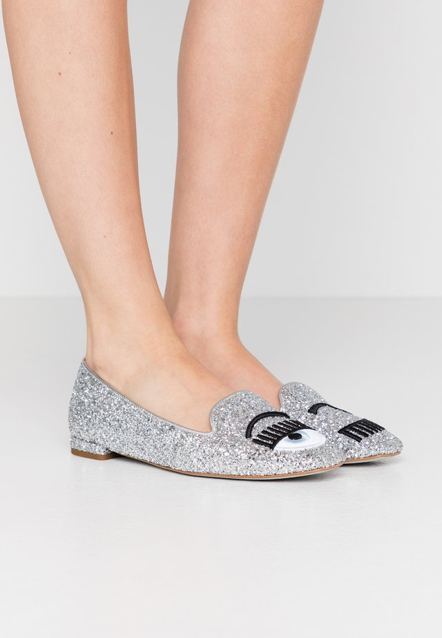 Slip-ons - silver glitter