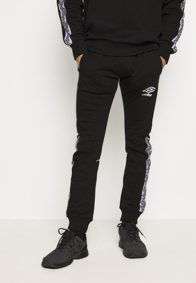 Umbro - TAPED JOGGER - Pantaloni sportivi - black